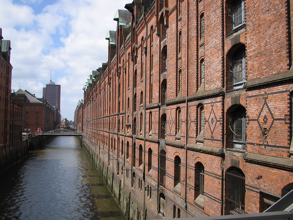 Hamburg_Speicherstadt totxo vermell bobilaaguilera