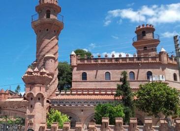 façana casa totxos artesanals Bòbila Aguilera a Piera